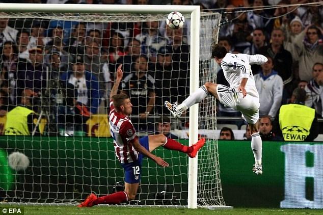 Cú đánh đầu ghi bàn lịch sử của Bale đưa Real vươn lên dẫn 2-1 ở phút 110