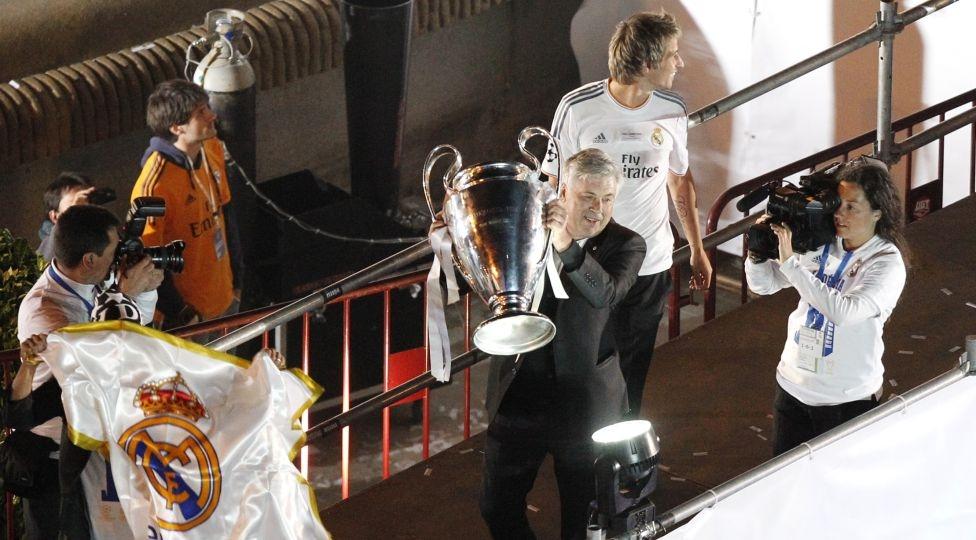 Carlo Ancelotti cũng là HLV huyền thoại với 3 lần giành Champions League với 3 CLB khác nhau