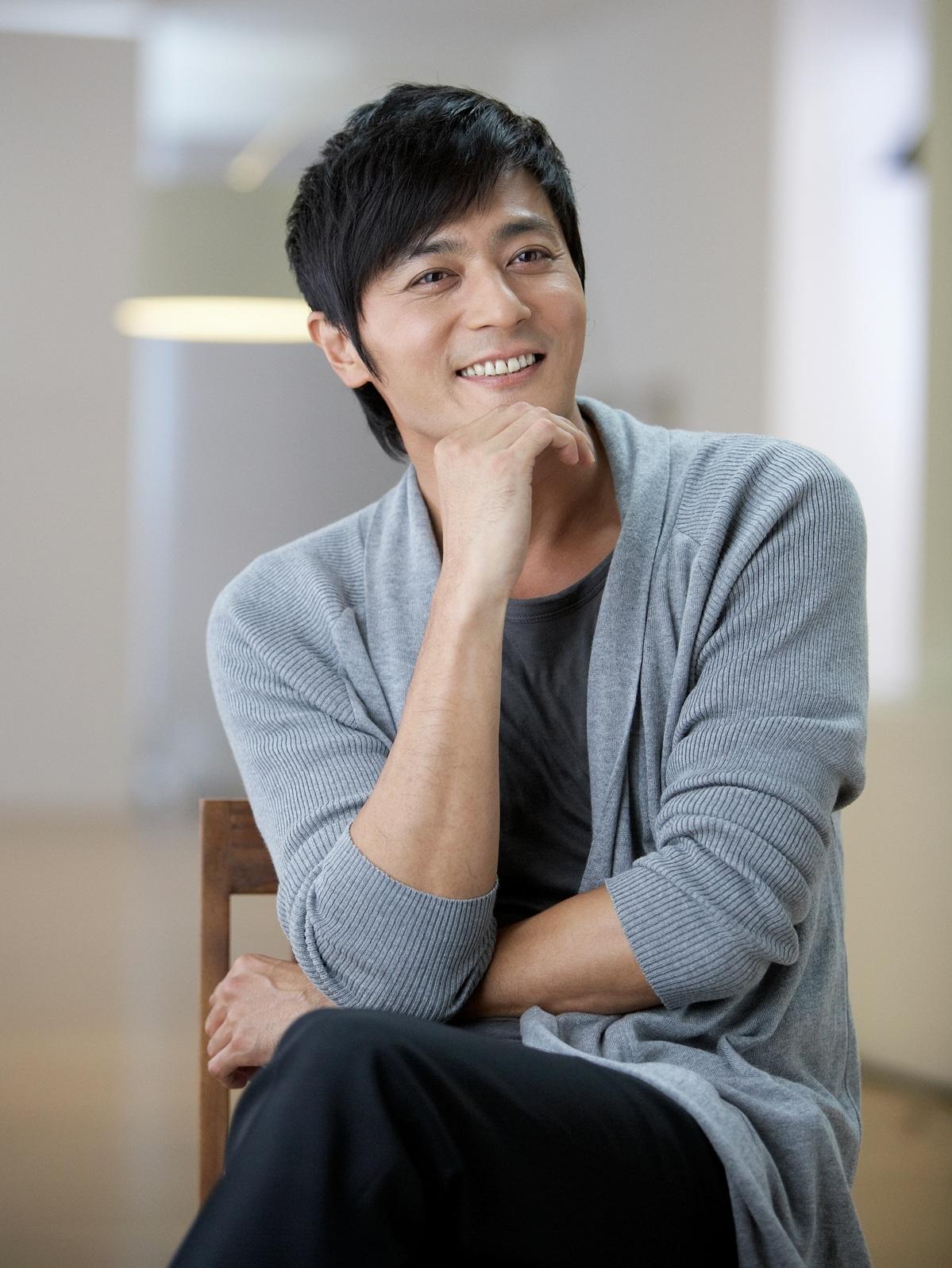 """Jang Dong Gun không tiếc lời khen dành cho """"hậu bối"""""""