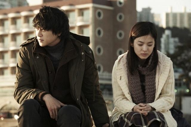 Kang Dong Won và Song Hye Kyo từng hợp tác trong bộ phim điện ảnhCamellia