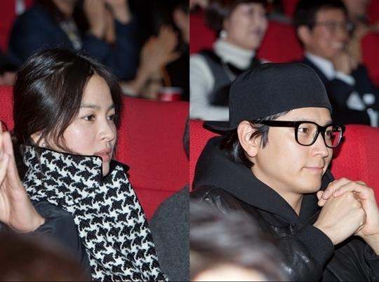 Song Hye Kyo và Kang Dong Won thường xuyên bị bắt gặp cùng đi dự sự kiện