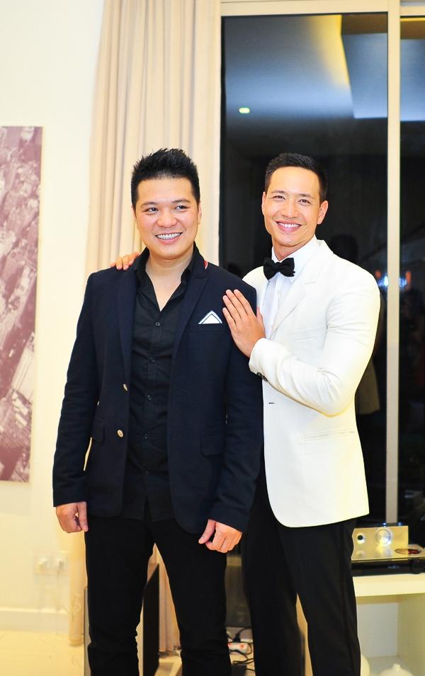 Đạo diễn Cường Ngô và diễn viên Kim Lý - Tin sao Viet - Tin tuc sao Viet - Scandal sao Viet - Tin tuc cua Sao - Tin cua Sao