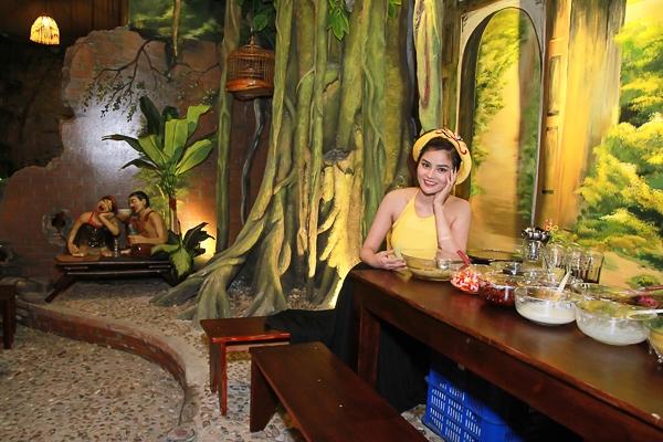 Với nhà hàng mới, Vũ Thu Phương vận hành với một quy trình khép kín - tức dựa trên những thế mạnh và năng lực sẵn có trong danh mục ngành nghề kinh doanh của cô cùng gia đình. - Tin sao Viet - Tin tuc sao Viet - Scandal sao Viet - Tin tuc cua Sao - Tin cua Sao