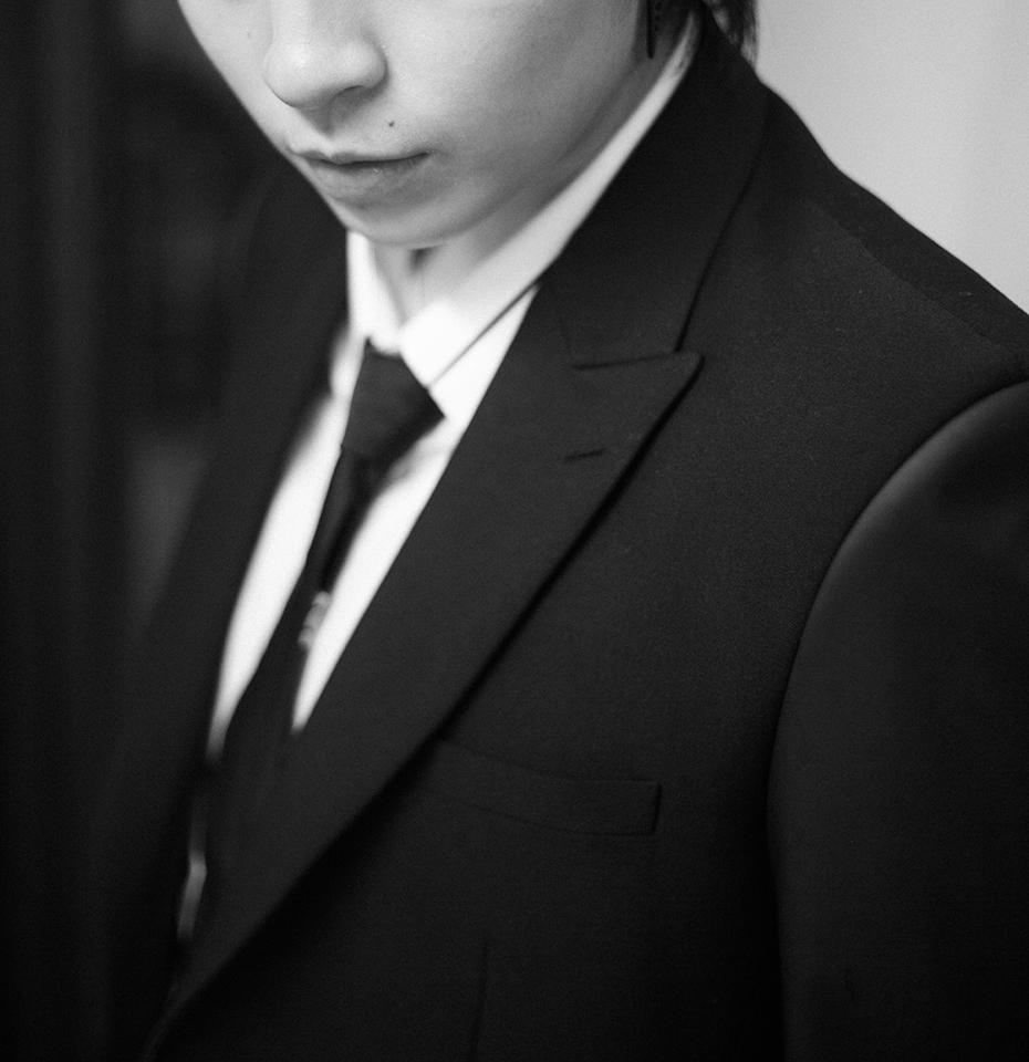 """Gil Lê khoe ảnh mặc vest lịch lãm và được Chi Pu khen tặng: """"Em đẹp nhất đêm nay"""""""