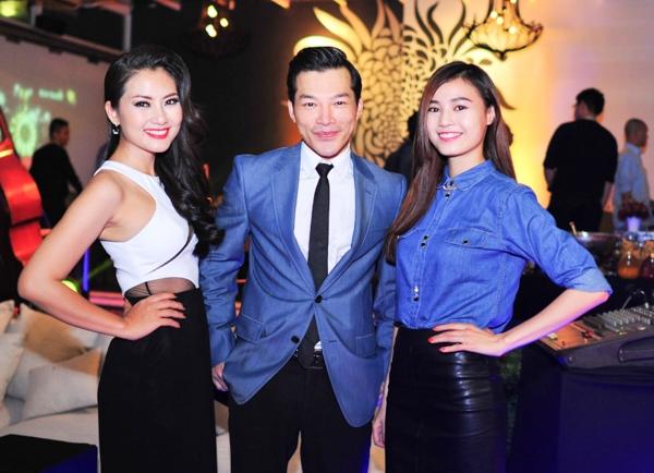 Buổi đấu giá hỗ trợ các đạo diễn trẻ là hoạt động thường niên do nhóm chủ trương Yxine và diễn viên Hồng Ánh tiến hành, giúp các bạn trẻ mê làm phim có cơ hội nhận được kinh phí sản xuất phim ngắn.