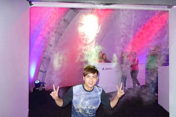 Chuyến đi này Hồ Quang Hiếu còn có cơ hội ghé thăm sự kiện của Adidas tại Nga. Được biết sự kiện này có sự xuất hiện của David Beckham. - Tin sao Viet - Tin tuc sao Viet - Scandal sao Viet - Tin tuc cua Sao - Tin cua Sao
