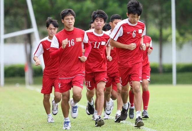 Văn Toàn, và Công Phượng trở lại tập luyện cùng các đồng đội U19 VN