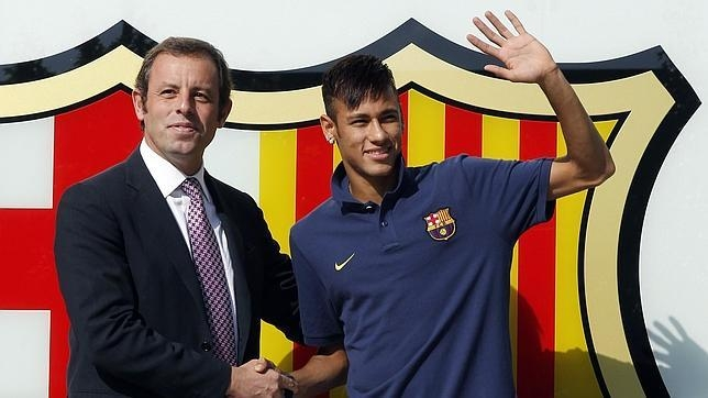 Những mập mờ quanh thương vụ chuyển nhượng Neymar bị phanh phui gây chấn động làng bóng Tây Ban Nha.