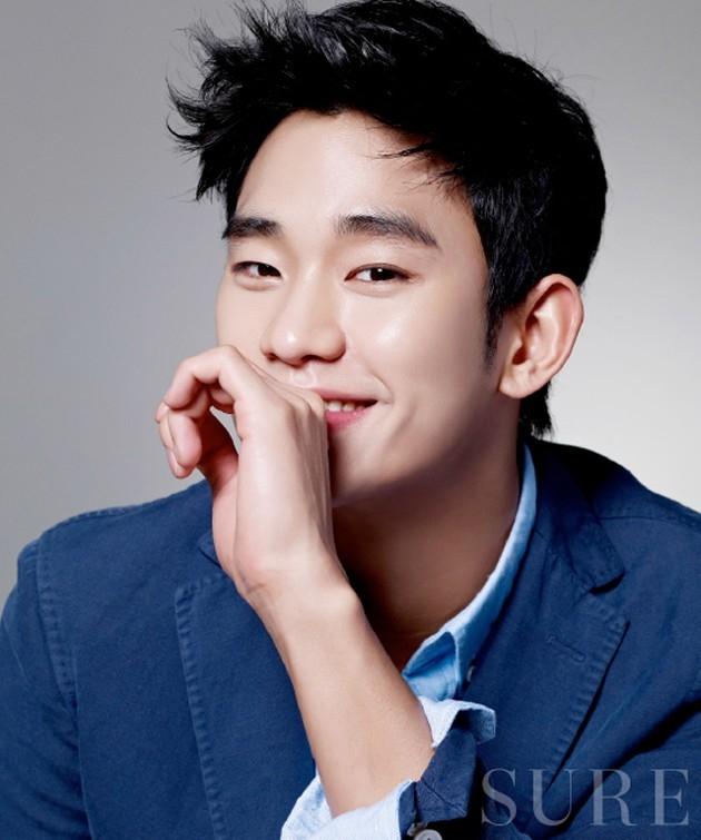 Kim Soo Hyun hiện đang là một trong những tên tuổi nổi tiếng nhất làng giải trí Hàn Quốc. Anh sở hữu hơn 30 hợp đồng quảng cáo và lan rộng sang thị trường Trung Quốc bao gồm nhiều nhãn hàng lớn nhỏ gồm mỹ phẩm, nước giải khát, quần áo thể thao, trang sức....