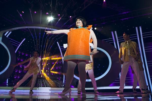 Với sự sáng tạo và thoải mái, tự nhiên, Vương Khang đã có một màn trình diễn vui tươi. Anh đã làm Ban giám khảo, các khán giả đặc biệt là Thanh Thảo, Kyo York cười đến đau ruột khi dõi theo anh ở hàng ghế đầu.