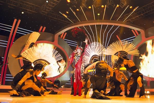 Chuẩn bị cho tiết mục mới, Minh Thuận đã mạnh dạn lựa chọn một bài hát rất nổi tiếng vào thập niên 60 - ca khúc Bang Bang.