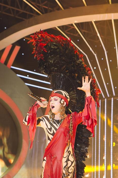 Xuất hiện trong trang phục đầy ấn tượng, Minh Thuận không khó trong việc chinh phục phần nhìn của Ban giám khảo