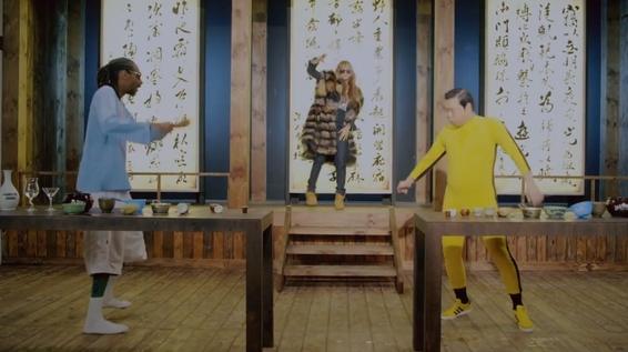 """Sự xuất hiện """"nho nhỏ"""" của G-Dragon và CL khiến MV càng thêm hot hơn"""