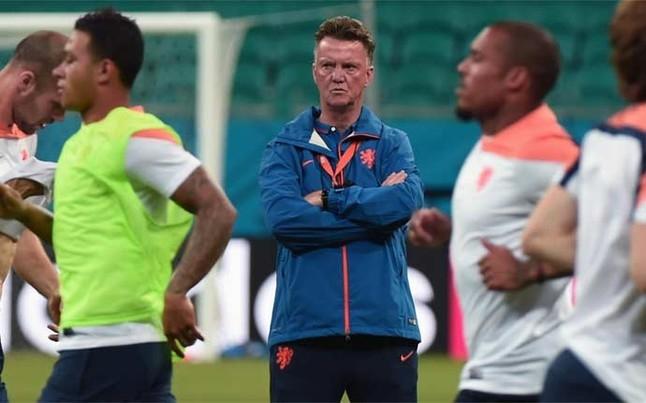 Van Gaal rất tự tin trong trận gặp Tây Ban Nha đêm nay