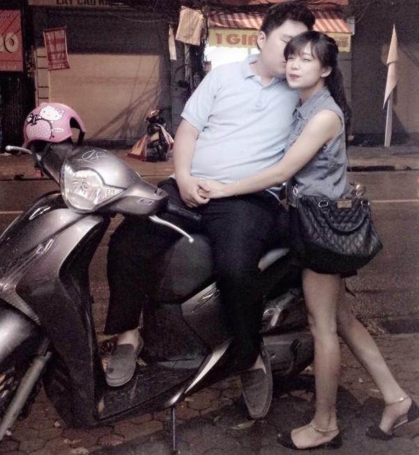 Sự chênh lệch về ngoại hình của hai bạn trẻ ở Hà Nội đang trở thành tâm điểm chú ý của dân mạng.