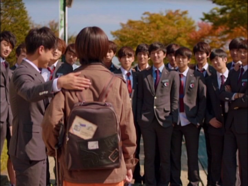 Tuy có lỗi trong việc làm trái quy tắc của trường học, nhưng sự đáng yêu và hòa nhã của Jae Hee đã nhận được sự yêu quý bởi các bạn học cùng trường. Chính vì thế, khi cô trở về Mỹ, mọi người đều bồi hồi không muốn chia tay