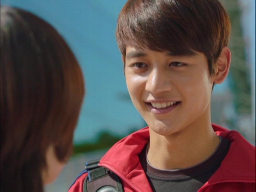 Thay vào đó, cô đến tìm gặp Tae Joon. Cả hai đã có một buổi hẹn hò tuyệt vời