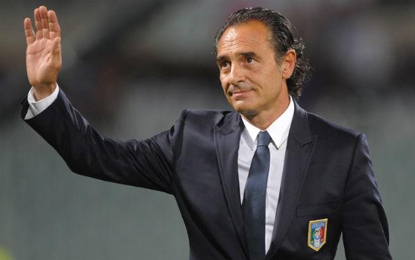 Chiến lược gia của Italia đã tuyên bố từ chức ngay sau trận thua trước Uruguay.