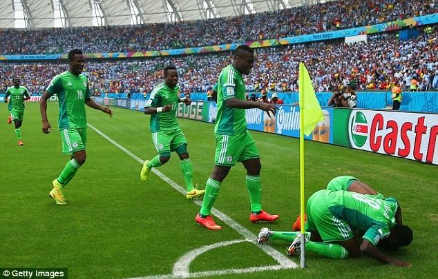 Nigeria sẽ gặp Pháp ở vòng 1/8