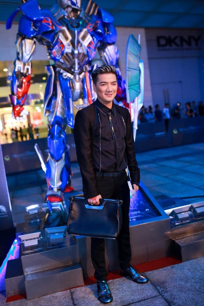 Đàm Vĩnh Hưng đã tham dự sự kiện này, mặc dù trước đó anh rất ít khi có mặt tại các buổi ra mắt phim.