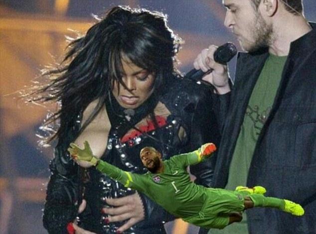 """Janet Jackson sẽ không thể """"lộ hàng"""" vì Howard không cho phép"""