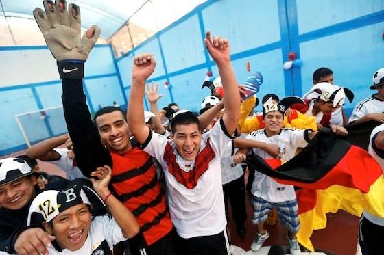 Niềm vui chiến thắng - Ảnh: Reuters