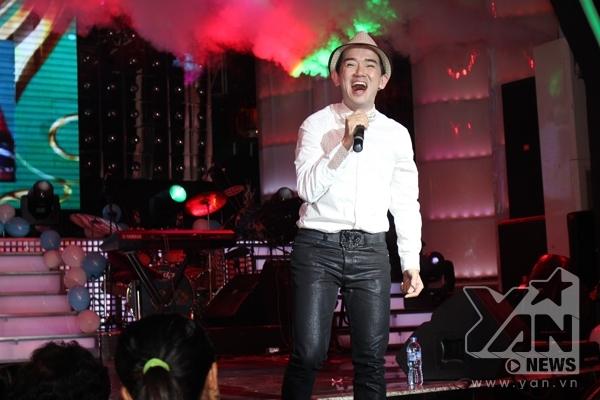 Minh Thuận gửi đến khán giả những ca khúc đã từng làm nên tên tuổi của anh và còn sống mãi theo thời gian.