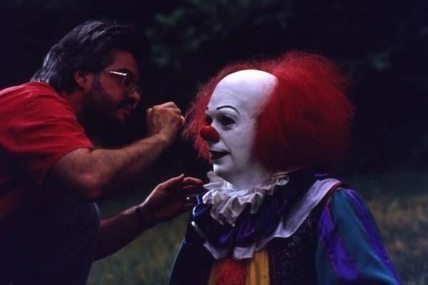 Sau mỗi cảnh diễn, bất kì nhân vật nào cũng được make-up lại cẩn thận