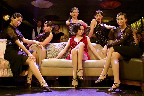 """Âm nhạc trong """"Em không cần anh"""" còn là sự kết hợp mới lạ giữa chachacha cổ điển và Dance RnB sôi động. - Tin sao Viet - Tin tuc sao Viet - Scandal sao Viet - Tin tuc cua Sao - Tin cua Sao"""
