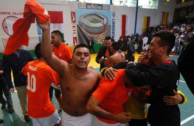 Niềm vui của đội vô địch