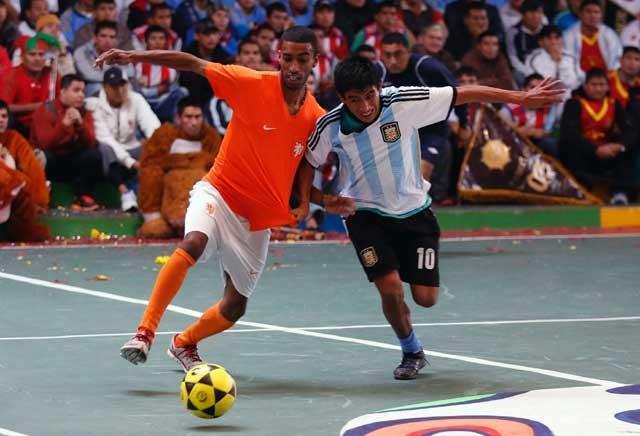 """Trận bán kết giữa """"Argentina"""" và """"Hà Lan"""""""