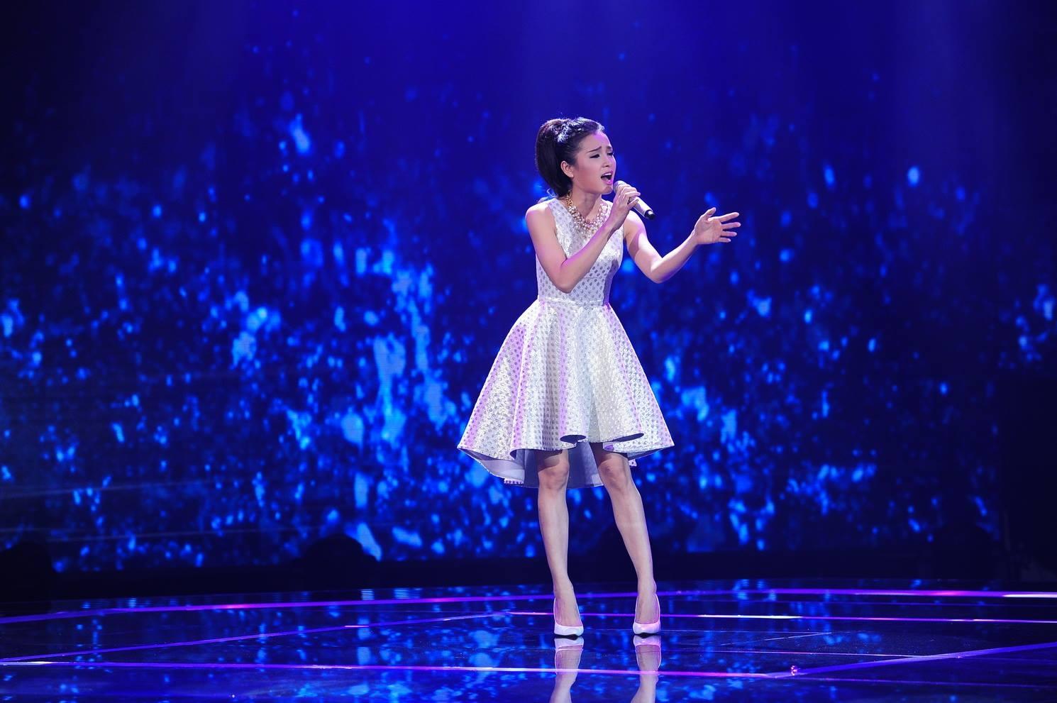 Là người mở màn của đêm thi, phần thể hiện khá cảm xúc ca khúc Vết mưa đã giúp cho Phương Trinh nhận được số điểm 90 từ phía 101 vị giám khảo.