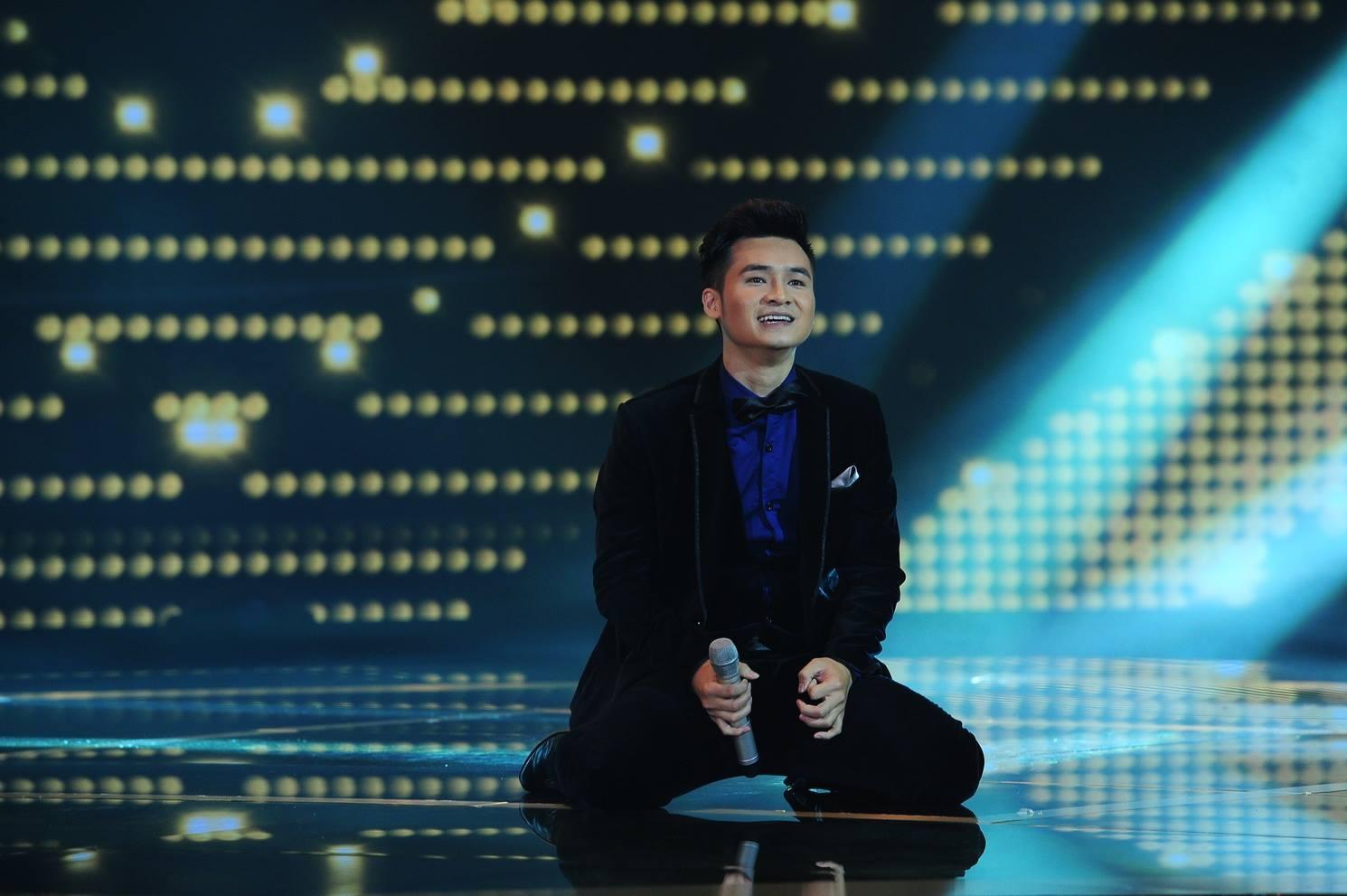 Vũ Hà Anh - bạn trai Dương Hoàng Yến thể hiện ca khúc Volare