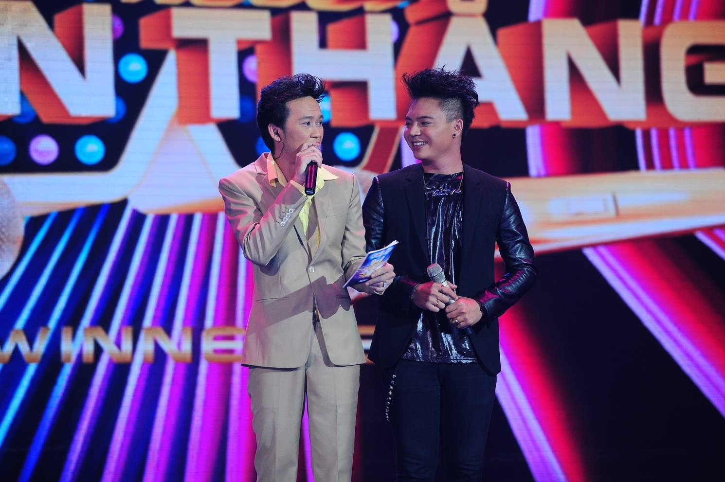 Về trường hợp của Xuân Lân, Thanh Bùi khá ngạc nhiên vì phần thể hiện của ca sỹ này được anh đánh giá khá cao song 100 vị giám khảo còn lại lại có những nhận định khác.