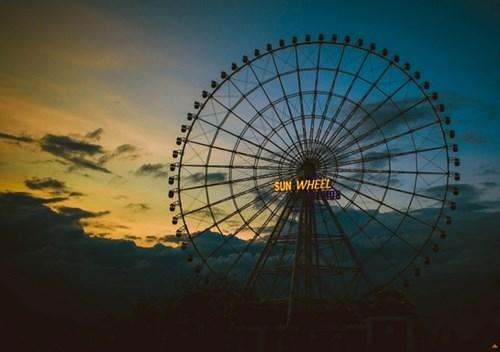 """Chiêm ngưỡng """"Vòng quay mặt trời"""" khổng lồ ở Đà Nẵng"""