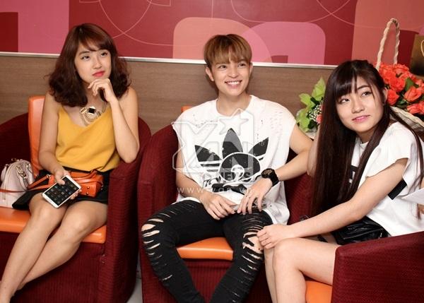 """Mi Soa, Kelbin Lei là những người bạn đã gắn bó với Ngọc Thảo một thời gian dài. Đây là 2 nhân vật được fan Ngọc Thảo yêu thích nhất vì bật mí khá nhiều """"tật xấu"""" của cô nàng."""