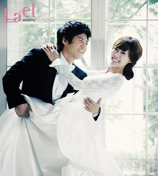 Yoo Chae Young và chồng Kim Joo Hwan