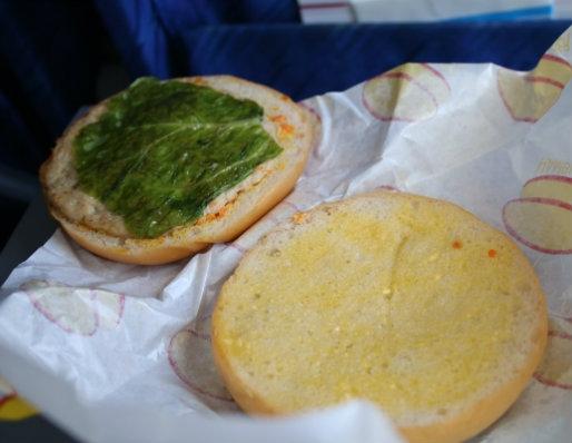 """""""Choáng"""" với miếng hamburger ở Triều Tiên"""