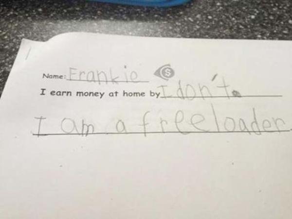 """Điền vào chỗ trống: """"Tôi kiếm tiền khi ở nhà bằng cách..."""" Học sinh trả lời: """"Tớ đâu có kiếm tiền"""""""