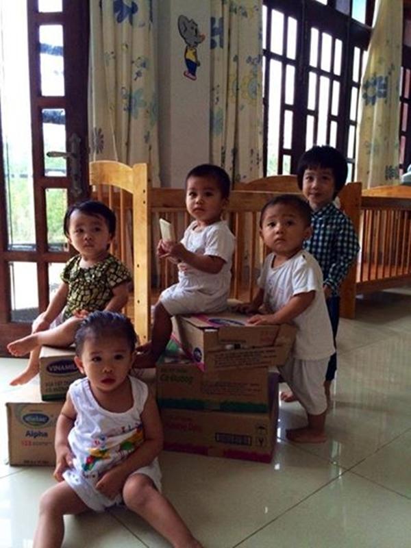 Những em bé đang được nuôi dưỡng tại Viện thiên thần