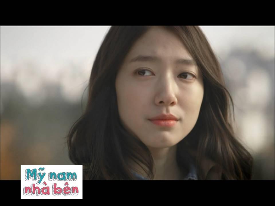 Park Shin Hye thủ vai Go Dok Min – một cô nàng làm nghề viết lách và có cuộc sống khá khép kín