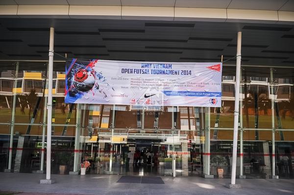 RMIT tưng bừng khai mạc giải bóng đá trong nhà mở rộng 2014