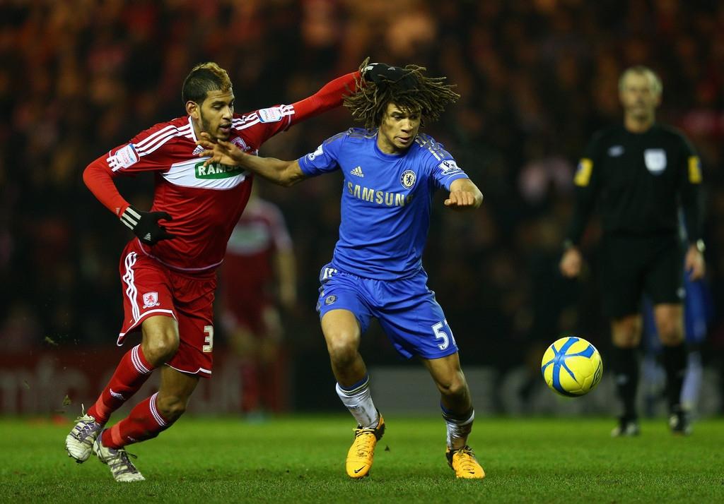 Nathan Ake có thể đáp ứng yêu cầu khắt khe từ HLV Mourinho