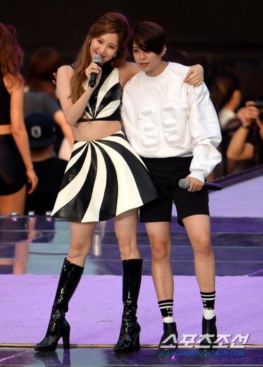 Màn kết hợp đặc biệt của Seohyun và Amber trong ca khúc Problem