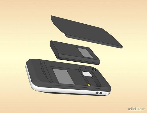 Tháo bỏ những linh kiện như Sim, pin và thẻ nhớ (nếu có).