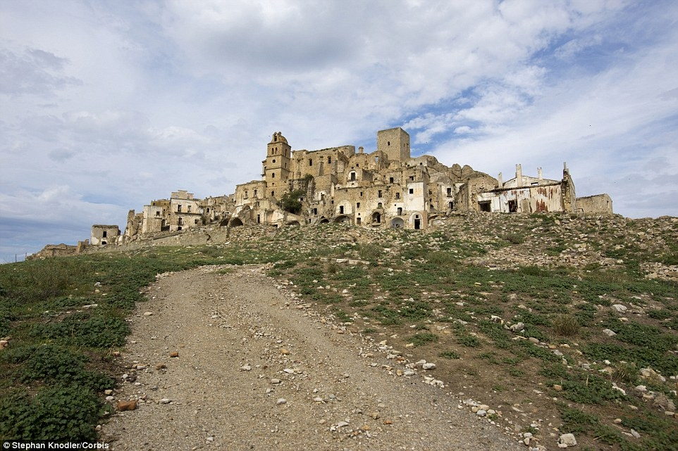 Những thành phố bỏ hoang tuyệt đẹp trên thế giới