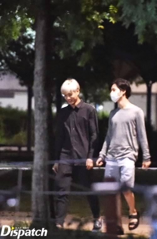 Một số hình ảnh dạo phố của Taemin và Kai được Distpatch chụp lại