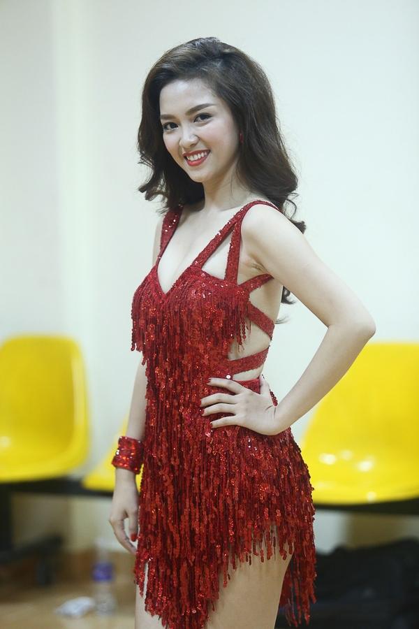 Đinh Hương là một trong những nữ ca sĩ trẻ có cá tính và sớm khẳng định hình ảnh, phong cách âm nhạc riêng, kiên định với dòng nhạc mà cô yêu thích.