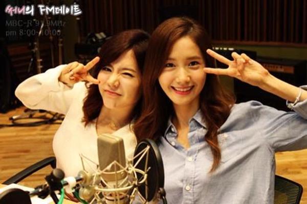 Một số hình ảnh của Yoona và Sunny trong chương trình kỷ niệm 100 ngày phát sóng của Sunny's FM Date