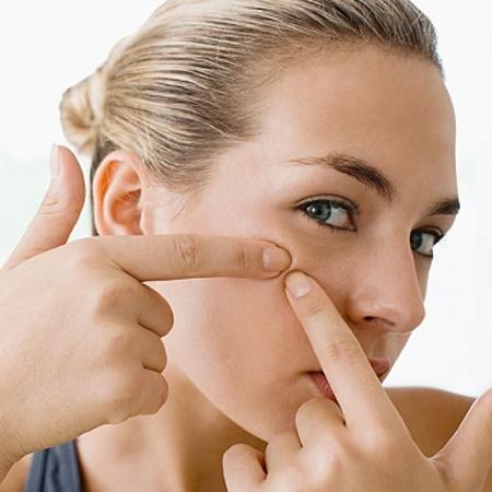 Cách trị mụn ẩn dưới da siêu hiệu quả